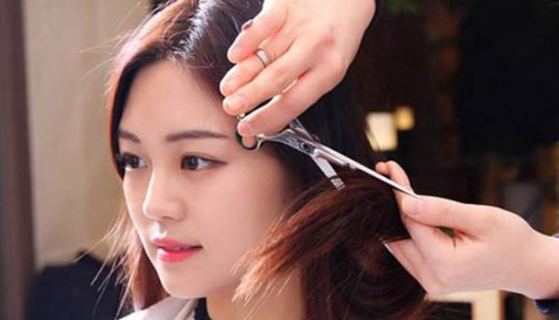 Không nên cắt tóc vào mùng 1 đầu tháng