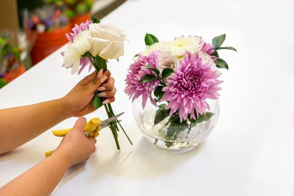 Về nhà mới nên cúng hoa gì để lấy lộc